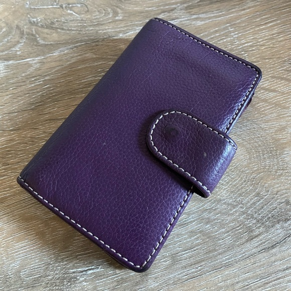 | FOSSIL | Genuine Leather Purple Wallet